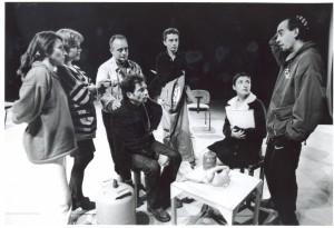 11. Con los actores al inicio de los ensayos